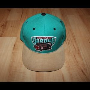 Mitchell & Ness Vancouver Grizzlies Hat